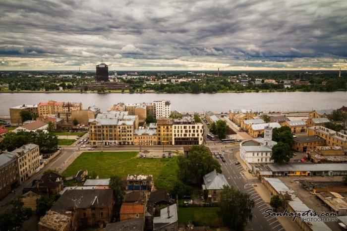 Latvijas Zinātņu akadēmijas skatu laukums