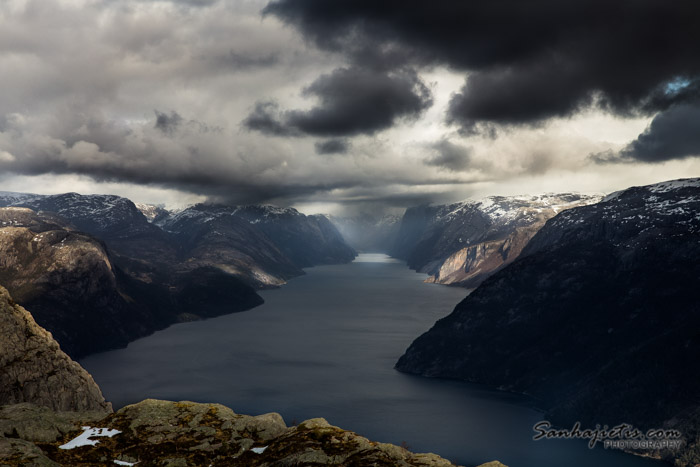 Norvēģija Preikestolen, iekļaujoties 70 eiro robežās