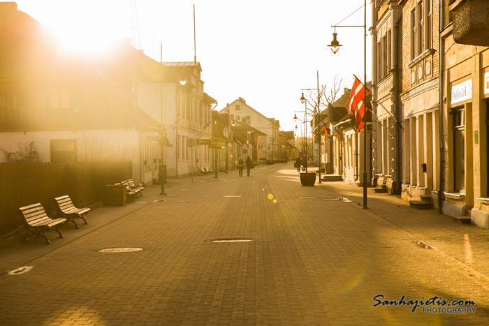 Kuldigas vecpilsēta saulrietā