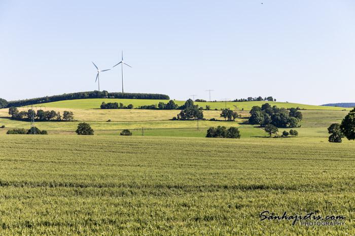 Vācijas lauki ar vējdzirnavām