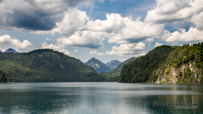 Vācijas Alpsee ezers pie Neuschwanstein pils