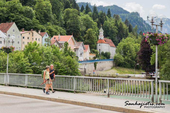 Vācijas Fussen pilsēta pie Neuschwanstein