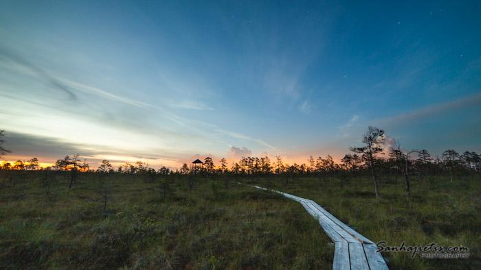 Ķemeru nacionalais parka taka saulrietā