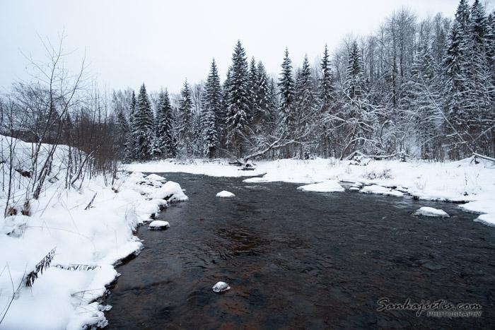 Amatas upe ziemā
