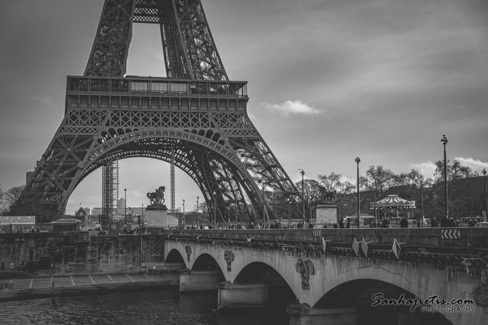 Apskatot Parīzi decembrī