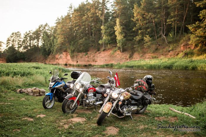 Piecās dienās apkārt Vidzemei ar motociklu