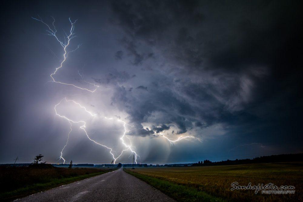 Pērkona negaiss Zibens Latgale