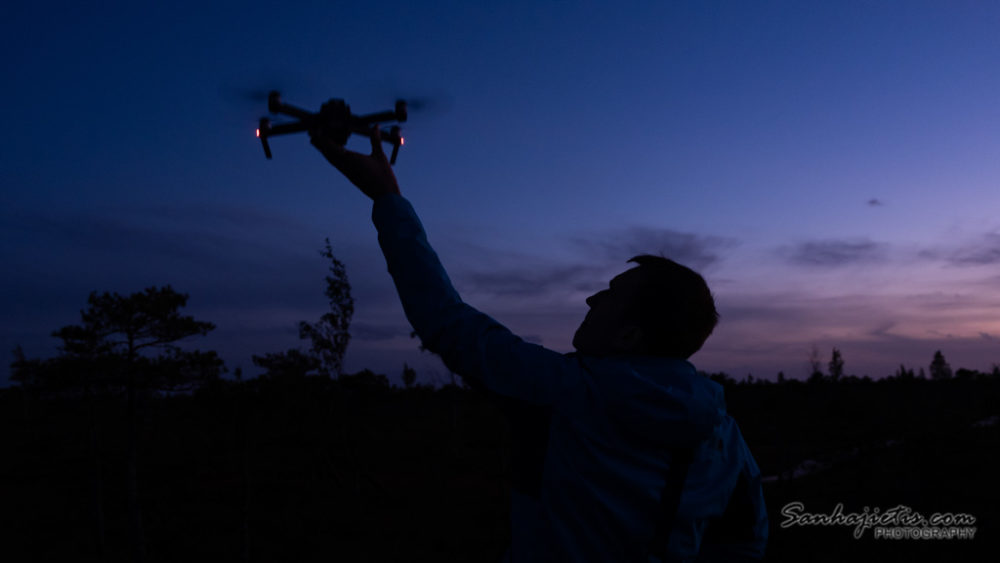 Drons nakti